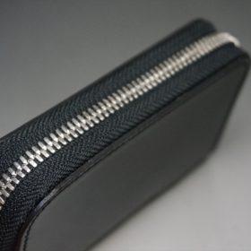 新喜皮革社製オイルコードバンのブラック色のラウンドファスナー小銭入れ(シルバー色)-1-4
