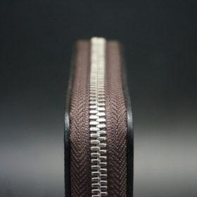 ホーウィン社製シェルコードバンのバーガンディ色のラウンドファスナー小銭入れ(シルバー色)-2-5