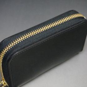 ホーウィン社製シェルコードバンのブラック色のラウンドファスナー小銭入れ(ゴールド色)-1-4