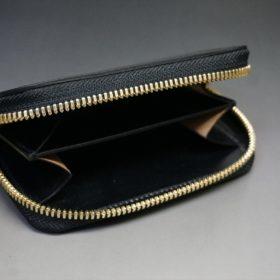 ホーウィン社製シェルコードバンのブラック色のラウンドファスナー小銭入れ(ゴールド色)-1-7