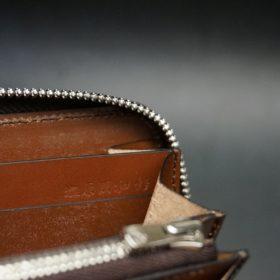 ホーウィン社製シェルコードバンのバーボン色のラウンドファスナー長財布(シルバー色)-3-15