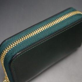 ホーウィン社製シェルコードバンのグリーン色のラウンドファスナー小銭入れ(ゴールド色)-1-4