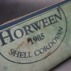 ホーウィン社製シェルコードバンのスタンプ面(ネイビー)のラウンドファスナー長財布(ゴールド色)-1-3