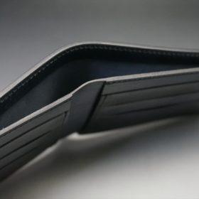 レーデルオガワ社製オイル仕上げコードバンのブラック色の二つ折り財布(小銭入れなし)-1-6