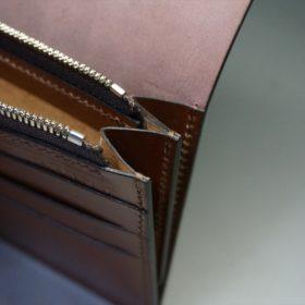 レーデルオガワ社製オイル仕上げコードバンのバーガンディ色の長財布(シルバー色)-2-12