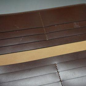 レーデルオガワ社製オイル仕上げコードバンのコーヒーブラウン色の長財布(小銭入れなしタイプ)-1-8