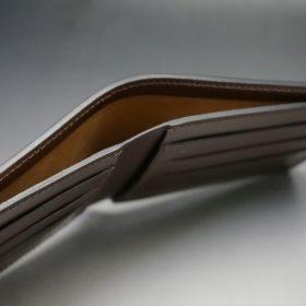 レーデルオガワ社製オイル仕上げコードバンのコーヒーブラウン色の二つ折り財布(小銭入れなし)-1-5