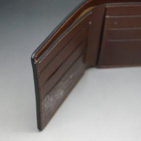 レーデルオガワ社製オイル仕上げコードバンのコーヒーブラウン色の二つ折り財布(小銭入れなし)-1-7