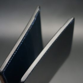 レーデルオガワ社製オイル仕上げコードバンのネイビー色の二つ折り財布(小銭入れなし)-1-4
