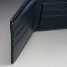レーデルオガワ社製オイル仕上げコードバンのネイビー色の二つ折り財布(小銭入れなし)-1-9