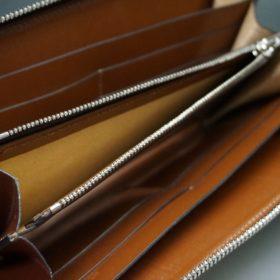 新喜皮革社製オイルコードバンのコニャック色のラウンドファスナー長財布(シルバー色)-1-13