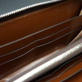 新喜皮革社製オイルコードバンのコニャック色のラウンドファスナー長財布(シルバー色)-1-14
