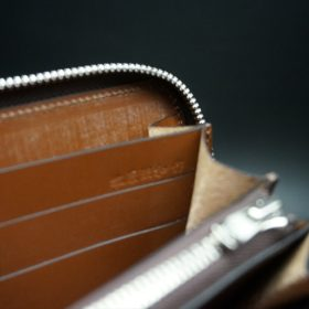新喜皮革社製オイルコードバンのコニャック色のラウンドファスナー長財布(シルバー色)-1-15