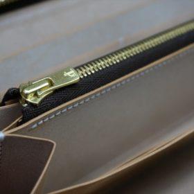 新喜皮革社製オイルコードバンのナチュラル色のラウンドファスナー長財布(ゴールド色)-1-11