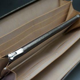 新喜皮革社製オイルコードバンのナチュラル色のラウンドファスナー長財布(シルバー色)-1-11