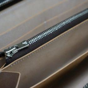 新喜皮革社製オイルコードバンのナチュラル色のラウンドファスナー長財布(シルバー色)-1-12