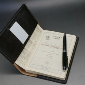 セドウィック社製ブライドルレザーのA6判手帳カバーのご使用イメージ画像(10mm用)