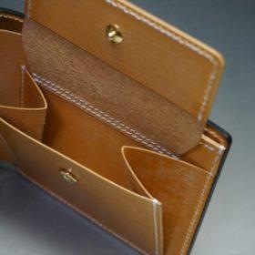 ホーウィン社製シェルコードバンのバーボン色の二つ折り財布(ゴールド色)-2-10