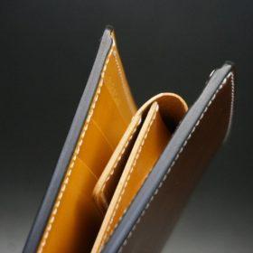 ホーウィン社製シェルコードバンのバーボン色の二つ折り財布(ゴールド色)-2-4