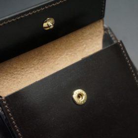 ホーウィン社製シェルコードバンのダークコニャック色の二つ折り財布(ゴールド色)-1-10