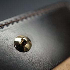 ホーウィン社製シェルコードバンのダークコニャック色の二つ折り財布(ゴールド色)-1-12