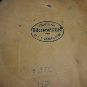 ホーウィン社製シェルコードバンのバーボン色のスタンプ側のラウンドファスナー長財布(ゴールド色)-1-16