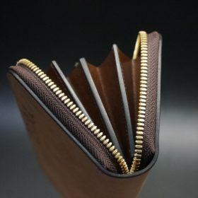 ホーウィン社製シェルコードバンのバーボン色のスタンプ側のラウンドファスナー長財布(ゴールド色)-1-9