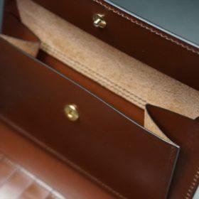 ホーウィン社製シェルコードバンの#8色の縦長二つ折り財布(ゴールド色)-1-11