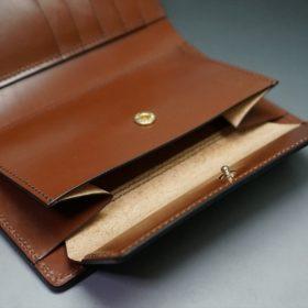 ホーウィン社製シェルコードバンの#8色の縦長二つ折り財布(ゴールド色)-1-12