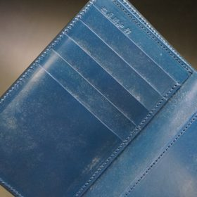 ロカド社製オイルコードバンのネイビー色の縦長二つ折り財布(ゴールド色)-1-7