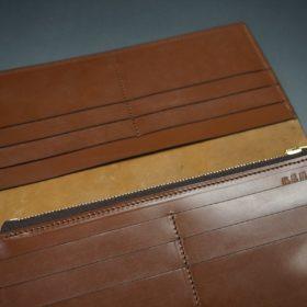 ロカド社製オイルコードバンのブラウン色のスタンダード長財布(ゴールド色)-1-10