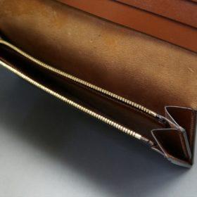 ロカド社製オイルコードバンのブラウン色のスタンダード長財布(ゴールド色)-1-9