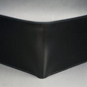 新喜皮革社製オイル仕上げコードバンのブラック色の二つ折り財布(ゴールド色)-1-2