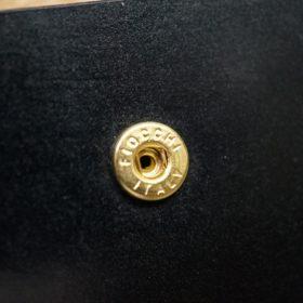 新喜皮革社製オイル仕上げコードバンのブラック色の二つ折り財布(ゴールド色)-1-9