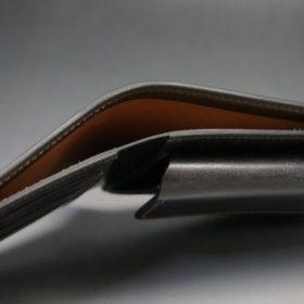 新喜皮革社製オイル仕上げコードバンのバーガンディ色の二つ折り財布(ゴールド色)-1-4