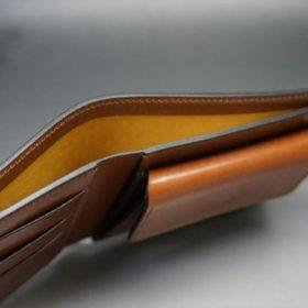 新喜皮革社製オイル仕上げコードバンのコーヒーブラウン色の二つ折り財布(ゴールド色)-1-5