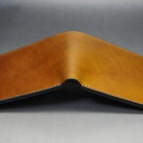 新喜皮革社製オイルコードバンのコーヒーブラウン色の二つ折り財布(小銭入れなしタイプ)-1-11