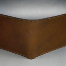 新喜皮革社製オイルコードバンのコーヒーブラウン色の二つ折り財布(小銭入れなしタイプ)-1-2