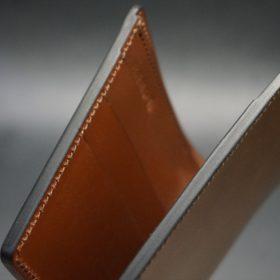 新喜皮革社製オイルコードバンのコーヒーブラウン色の二つ折り財布(小銭入れなしタイプ)-1-4