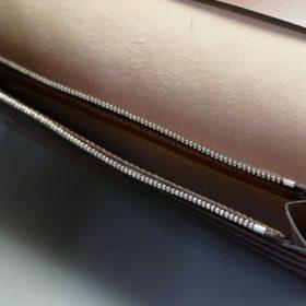 新喜皮革社製オイルコードバンのコニャック色のスタンダード長財布(シルバー色)-1-11
