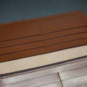 新喜皮革社製オイルコードバンのコニャック色のスタンダード長財布(シルバー色)-1-12