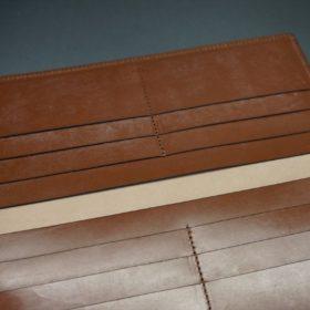 新喜皮革社製オイルコードバンのコニャック色のスタンダード長財布(小銭入れなしタイプ)-1-9