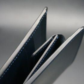 新喜皮革社製オイル仕上げコードバンのネイビー色の二つ折り財布(ゴールド色)-1-3