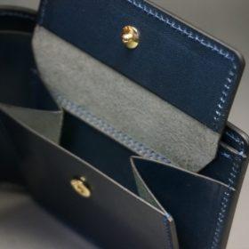 新喜皮革社製オイル仕上げコードバンのネイビー色の二つ折り財布(ゴールド色)-1-8