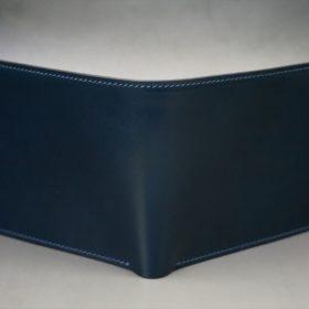 新喜皮革社製オイルコードバンのネイビー色の二つ折り財布(小銭入れなしタイプ)-1-2