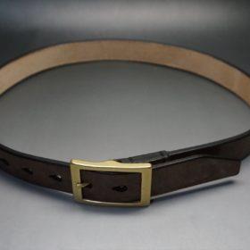 J.ベイカー社製ブライドルレザーのダークブラウン色の30mmベルト(カジュアルバックル/ゴールド色)のご使用イメージ-1