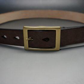 J.ベイカー社製ブライドルレザーのダークブラウン色の30mmベルト(カジュアルバックル/ゴールド色)のご使用イメージ-2