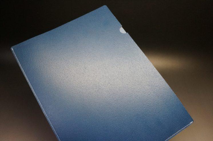 トーマスウェア社製ブライドルレザーのブルー色の床革ファイル-2-1