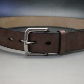 J.ベイカー社製ブライドルレザーのダークブラウン色の40mmベルト(ビジネス&カジュアルバックル/シルバー色)のご使用イメージ-2