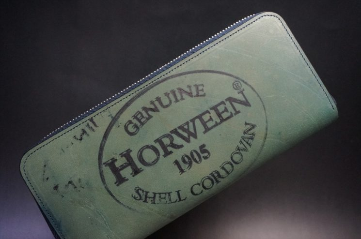 ホーウィンスタンプのラウンドファスナー長財布